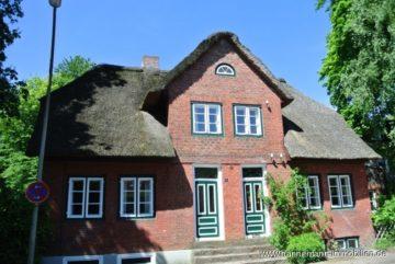 schnuckelige Reetdach-Haushälfte mit 2,5-Zimmer im Grünen!, 22587 Hamburg / Blankenese, Doppelhaushälfte