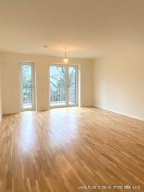 NEUBAU ERSTBEZUG – helle 2 Zimmer Wohnung mit Balkon, 22549 Hamburg, Etagenwohnung